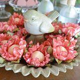 Detalhes que encantam! Usamos peças lindas com passarinhos para acomodar os doces e dá um charme a mais na decoração.  #party #decoracaodeaniversario #aniversario #15anos #decoracaotropical #decoracaocolorida #decoracaoblogrecebercomestilo