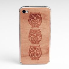 iPhone 4/4S Owl Back Cherry. Love this! If I had an iPhone I would buy it.