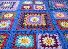 Daisy Granny Square Crochet Blanket Retro Style by Thesunroomuk