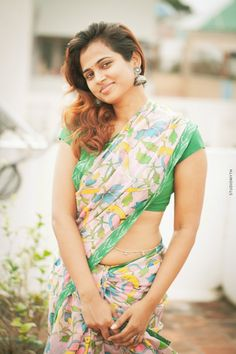 Ramya Pandian hot stills in saree. Ramya Pandiya who is known for her role in Joker movie is going viral recently with her photoshoot in saree. Beautiful Girl Indian, Most Beautiful Indian Actress, Beautiful Saree, Beautiful Women, Beautiful Actresses, Beauty Full Girl, Beauty Women, Real Beauty, Wiener Dogs