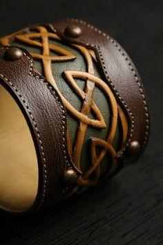 "Leather Cuff, Leather Bracelet: leather cuff with a celtic design ""Celtic Dara Cuff"" MXS"