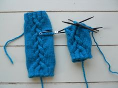 Cabled Fingerless Mitts WIP