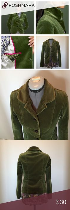 J. Crew Bella Velvet Blazer Moss Green 2007 J. Crew's Bella Blazer is a closet staple! A classic fitted Blazer in a whimsical, unique color. It's from the Fall 2007 collection, shows some signs of age/wear but nothing major. Still tons of life left. Wooden buttons. The neck is shaped so that the collar can be worn up or down. Outer Velvet is 100% cotton. Fully lined with pink piping. J. Crew Jackets & Coats Blazers