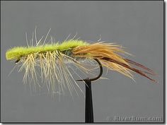 Olive Clouser Crayfish patterns are vital bass flies especially around rocks and other shoreline sructure. Fish this fly for both smallmouth and large mouth bass or even for trout in still or slow water environments. Lure Making, Largemouth Bass, Crabs, Fly Tying, Trout, Fly Fishing, Making Ideas, Shrimp, Ties