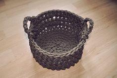 patron o tutorial para hacer cesto de ganchillo gigante con cuerda o trapillo