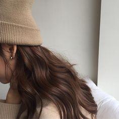Image about girl in Dark hair ♥ by on We Heart It - Hair Style Brown Aesthetic, Aesthetic Hair, Cream Aesthetic, Hair Inspo, Hair Inspiration, Grunge Hair, Dark Hair, Hair Looks, Cool Hairstyles