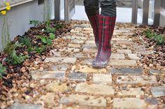 Brick Paving, Log Homes, Paths, Home And Garden, Exterior, Green, Garden Ideas, Gardening, Outdoor