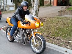 """Moto Officina Laverda 1200 """"Diecimila""""  Further photos, videos and information : http://www.moto-officina.com/index.php/moto-projects #laverda #diecimiila #3cylinder #triple #motoofficina #classicmotorcycle #custommotorcycle #endurance #replica"""