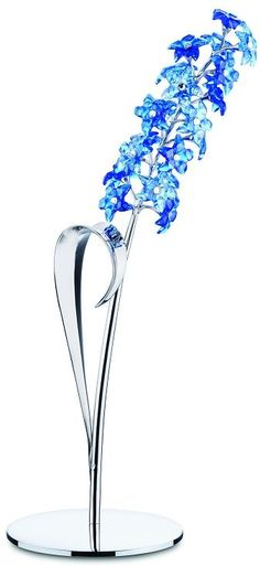 Dindori Sapphire Blue Swarovski Flower - Modeled after the early snow glories flower, the Dinori is in sapphire and light sapphire crystal with a jonquil. Swarovski Crystal Figurines, Swarovski Jewelry, Crystal Jewelry, Swarovski Crystals, Swarovski Butterfly, Flower Model, Labradorite Ring, Glass Figurines, Crystal Collection
