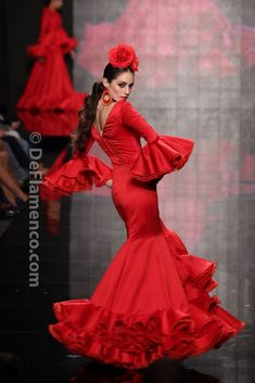 Fotografías Moda Flamenca - Simof 2014 - Sofia Rivera para Carmelina Campuzano, Simof 2014 - Foto 15 Flamenco Costume, Flamenco Dancers, Dance Costumes, Flamenco Dresses, Spanish Gypsy, Red Frock, Spanish Dress, Spanish Woman, Mexican Dresses