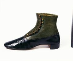 Ca. 1851 man's boot with patent leather and snakeskin upper, buttoned side fastening, hand-sewn. British. V&A Museum.