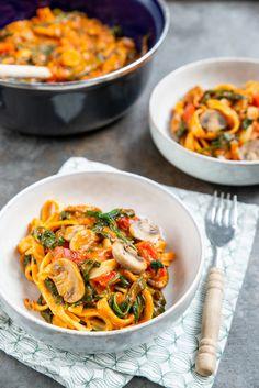 Mushroom Stroganoff with tagliatelle - Brenda Cooks! Vegetarian Pasta Recipes, Meat Recipes, Dinner Recipes, Healthy Recipes, A Food, Good Food, Dinner Menu, How To Cook Pasta, Food Inspiration