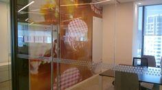 ¡#Instalacionesrealizadas por nuestro personal! Contáctanos#LMIProducciones #vinil www.lmi.com.mx