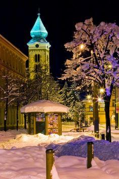 Kostol sv. Mikuláša v zime European Countries, Winter Holidays, Czech Republic, Temples, Hungary, Castles, Explore, Group, Mansions