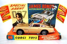 Vintage Corgi 261 007 James Bond Aston Martin Diecast Car I have 2 of these, one in better condition than the other. Vintage Toys 1960s, Retro Toys, 1960s Toys, Aston Martin Db5, Gi Joe, Automobile, Corgi Toys, Matchbox Cars, Classic Toys