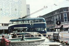1964 the first trolleybus passed on the newly installed wiring & one-way system Yorkshire City, Kingston Upon Hull, Bournemouth, Old And New, Old Photos, Britain, The Past, Street View, Buses