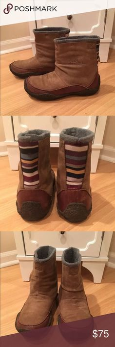Women's Sorel Fernie short boots size 5 Women's Sorel Fernie short suede boots with multicolor firing at the back.  Show some wear, see pics.  Women's size 5 Sorel Shoes Winter & Rain Boots