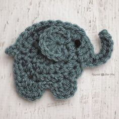 Repeat Crafter Me: Crocheting elephant applique