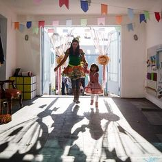 Nossa festa julina é dia 30/07 festejar esse final de férias vai ser lindo muitas brincadeiras comidas deliciosas e correio elegante. o valor de entrada é somente para as crianças ( $25 ) Mas tem garantir sua vaga até dia 24/07.  inspiraeducacaoearte@gmail.com
