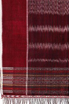 Rujjat, ulos, north sumatra Textile Patterns, Textile Design, Textiles, Ulos Batak, Batik Pattern, Fifth Element, Sarongs, Ikat Fabric, Handicraft