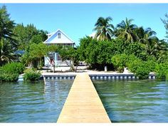 Caye Caulker--$125-175 Private beach cottage with dock