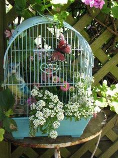 Beautiful Bird Cage Ideas for Your Garden. Beautiful Bird Cage Ideas for Your Garden. Of course the cage to be built must be adjusted to the house or garden building, so that the overall aesthe. Flower Planters, Garden Planters, Flower Pots, Flowers Garden, Garden Crafts, Garden Projects, Birdcage Planter, Birdcage Decor, Bird Cages