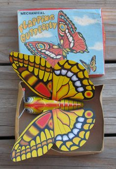 RARE VINTAGE MECHANICAL FLAPPING BUTTERFLY WIND UP TIN TOY 1960's BY YONE JAPAN | eBay