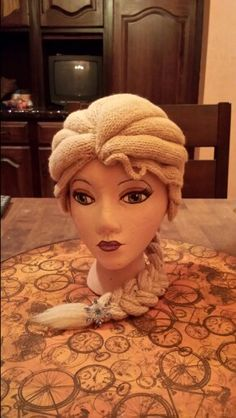 Crochet/knit Elsa wig by SRO-AUSTIN