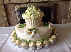 Aunties 90th Birthday cake