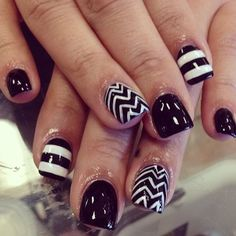 Black and white stripped ad zigzag nails