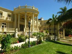 Tar Mansion Bel Air #LosAngelesWedding #LosAngelesEvents #LosAngelesWeddings…