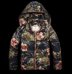 Scotch Rbelle Basic Down Jacket bij Eb Vloed Lifestyle www.pn warm winter, we need warm coat ,so mordern down coat, my best loved moncler. Girls Fashion Clothes, Girl Fashion, Like Flo, Sleeveless Denim Jackets, Kids Dress Up, Yoga Fashion, Moncler, Scotch, Winter Fashion