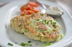Zucchini-Mozzarella-Laibchen Zucchini Mozzarella, Salmon Burgers, Quiche, Veggies, Dip, Breakfast, Puffer, Ethnic Recipes, Food