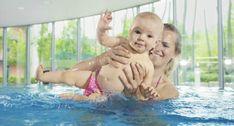 So macht Babyschwimmen Spaß! | Baby und Familie