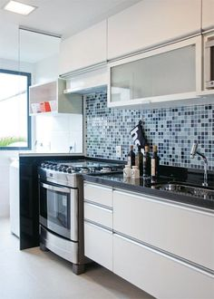 Fraud, Deceptions, and Downright Lies About Inspiring Tiny Kitchen Design Ideas Exposed – homedecorsdesign Kitchen Dinning, Kitchen Sets, Home Decor Kitchen, Kitchen Interior, Home Kitchens, Kitchen Remodel, Sweet Home, House Design, Tiles