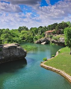 tonkawa falls in Crawford. this place is awesome Texas Travel, Travel Usa, Cool Places To Visit, Places To Travel, Texas Vacations, Family Vacations, Family Vacation Destinations, Family Travel, Travel Destinations