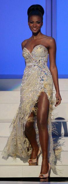 Leila Lopes (Angola)