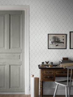 Striped Wallpaper Decor, Striped Wallpaper Living Room, Striped Room, Hall Wallpaper, Interior Styling, Interior Design, Home Room Design, Classic Interior, House Rooms