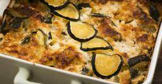 Cheesy Zucchini Summer Squash Casserole///Use low fat cheese. Zucchini Squash Casserole, Summer Squash Casserole, Summer Squash Bake, Tastee Recipe, Cooking Recipes, Healthy Recipes, Delicious Recipes, Vegetarian Recipes, Yummy Food
