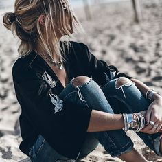 Playa Another beach one mallorca Passion For Fashion, Love Fashion, Fashion Beauty, Fashion Outfits, Womens Fashion, Fashion Styles, Grunge Look, Shotting Photo, Foto Casual