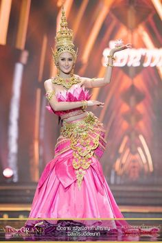 Thailand National Costume, Thailand Costume, Traditional Thai Clothing, Traditional Dresses, Miss Universe Dresses, Miss Universe National Costume, Thai Dress, Khmer Wedding, Thai Style