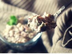Kuohkea sienisalaatti (V, G) – Ruokailo Vegan Christmas, Ice Cream, Desserts, Food, No Churn Ice Cream, Tailgate Desserts, Deserts, Icecream Craft, Essen