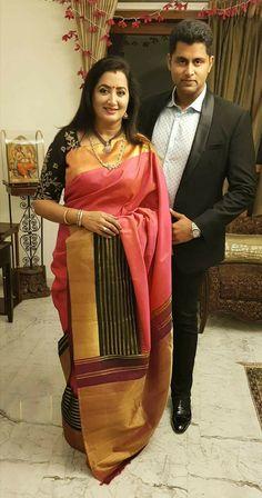 Silk Saree Kanchipuram, Silk Sarees, Saris, Hand Work Blouse Design, Maggam Work Designs, Sari Design, Modern Saree, Saree Models, Designer Blouse Patterns