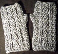 JR Crochet Designs: Free Pattern- Cable Wrist Warmer Pattern