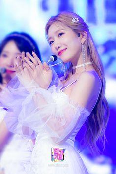 이미지 뷰어 : SBS Yuehua Entertainment, Starship Entertainment, Girls Dresses, Flower Girl Dresses, Cosmic Girls, Pop Up, Crown, Wedding Dresses, Fashion