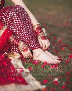 Contact us for shout-outs, promotions, PR & collaborations.  Follow us @dulhaanddulhan_  Via @dulhaanddulhan_ #bridalwear… Pakistani Bridal Jewelry, Indian Bridal Fashion, Pakistani Bridal Dresses, Pakistani Dress Design, Bridal Mehndi, Indian Wedding Couple Photography, Bride Photography, Friend Photography, Wedding Photos