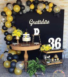 Decor linda. ♥💛 By @decorareamarfestas -  GRATIDÃO é a palavra que me define diante dessa minha linda profissão e dom que Deus me deu! Mas hoje também foi o tema escolhido pela cliente para comemorar e agradecer por seus 36 aninhos de VIDA! . #gratidao #festagratidao #festalinda  #festaadulto #temadefestalindo #party #instaparty #partyideias #decoradorasrj #festejar #festaemcasa #minitable #festapocket  #festas #festasinfantis #festasrj #festaslindas #gentegrandefesteja  #festadegentegrande… Graduation Party Planning, Graduation Party Decor, Grad Parties, 50th Birthday Party, Birthday Party Decorations, Birthday Celebration, Wedding Decorations, 35e Anniversaire, Balloons Galore