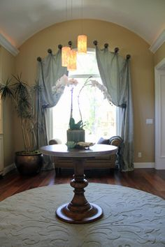"""Traditional Entry Photos """"round Table"""" Design, Pictures, Remodel, Decor and Ideas - page 8"""