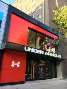 Under Armour Exterior State Street Madison Wisconsin Iconica Design Build