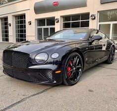 Is black the best colour for the Bentley continental gt? Fancy Cars, Cool Cars, Bentley Continental Gt Convertible, Bentley Gt, Lux Cars, Car Wallpapers, Amazing Cars, Exotic Cars, Sport Cars